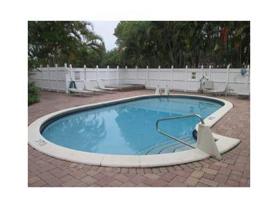 1878 NE 46TH ST APT C7, Fort Lauderdale, FL 33308 - Photo 2