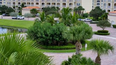 37 HARBOUR ISLE DR E UNIT 305, Fort Pierce, FL 34949 - Photo 2