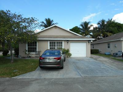 10116 BOYNTON PLACE CIR, Boynton Beach, FL 33437 - Photo 2
