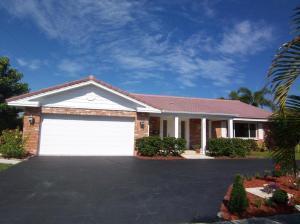 365 NE 3RD ST, Boca Raton, FL 33432 - Photo 1
