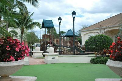 8204 MYRTLEWOOD CIR W, Palm Beach Gardens, FL 33418 - Photo 2