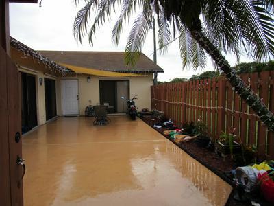 1111 SUMMIT PLACE CIR APT C, West Palm Beach, FL 33415 - Photo 2