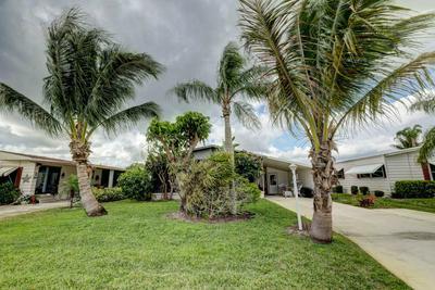 7830 SE SHENANDOAH DR, Hobe Sound, FL 33455 - Photo 2