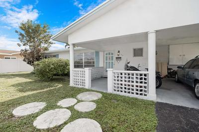924 SE 10TH CT, Pompano Beach, FL 33060 - Photo 1