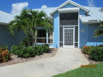 2950 SE DARIEN RD, Port Saint Lucie, FL 34952 - Photo 2