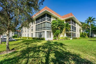 5570 TAMBERLANE CIR APT 131, Palm Beach Gardens, FL 33418 - Photo 1