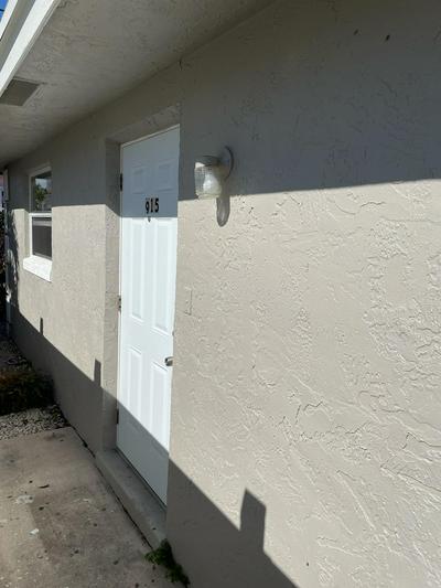 915 S N ST, Lake Worth Beach, FL 33460 - Photo 2