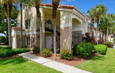 815 W BOYNTON BEACH BLVD APT 8101, Boynton Beach, FL 33426 - Photo 1