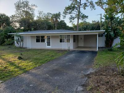 561 SW MANOR DR, STUART, FL 34994 - Photo 1