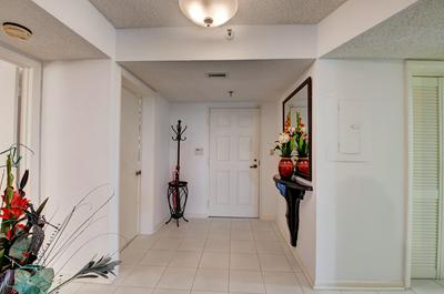 7572 REGENCY LAKE DR APT 602, Boca Raton, FL 33433 - Photo 2