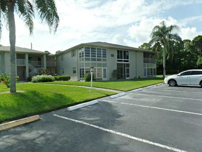16 LAKE VISTA TRL APT 105, Port Saint Lucie, FL 34952 - Photo 2