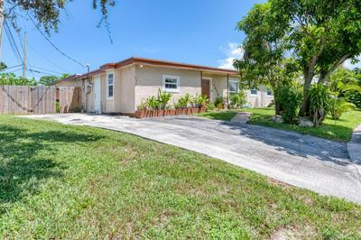 1526 NANETTE CT, Lake Worth Beach, FL 33461 - Photo 2