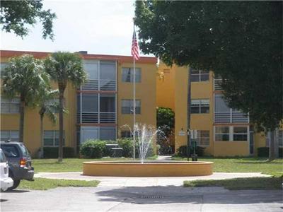 4334 NW 9TH AVE APT 7-1E, Deerfield Beach, FL 33064 - Photo 2