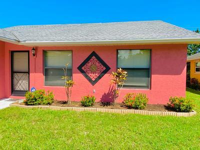 5633 SE KATHARINE AVE, Stuart, FL 34997 - Photo 2
