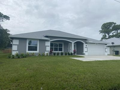 722 SE THORNHILL DR, Port Saint Lucie, FL 34983 - Photo 2