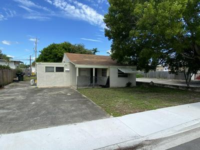 1105 N J ST, Lake Worth Beach, FL 33460 - Photo 1