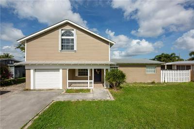 35 SW CABANA POINT CIR, STUART, FL 34994 - Photo 1