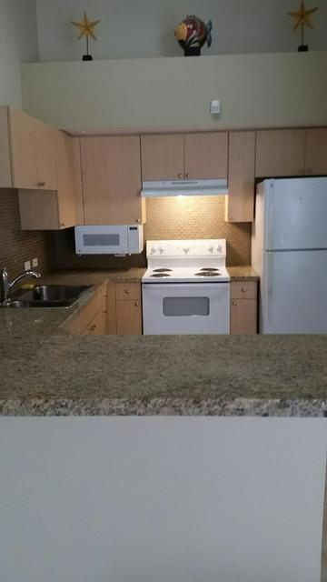 818 VILLA CIR, Boynton Beach, FL 33435 - Photo 2