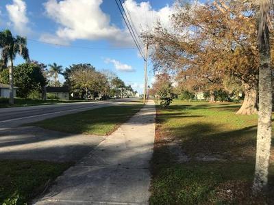 2264 E MAIN ST, Pahokee, FL 33476 - Photo 2