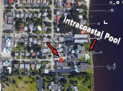 1204 S LAKE DR APT 11, Lantana, FL 33462 - Photo 2
