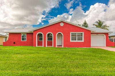 559 SE OCEANSPRAY TER, Port Saint Lucie, FL 34983 - Photo 1