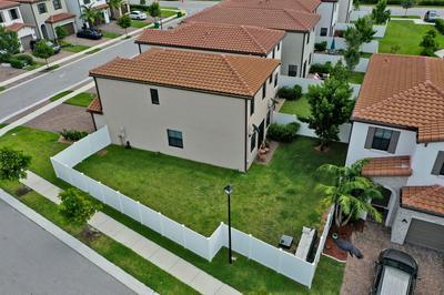5021 LAUREL OAK DR, Riviera Beach, FL 33410 - Photo 2