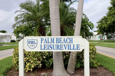 109 SW 8TH PL, Boynton Beach, FL 33426 - Photo 2