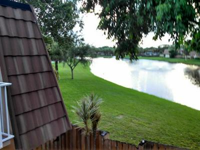 585 GREEN SPRINGS PL, West Palm Beach, FL 33409 - Photo 2