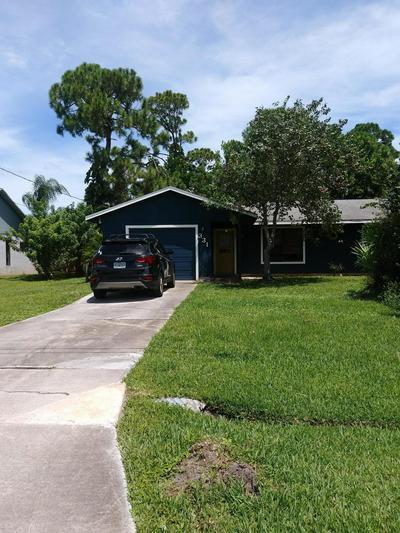331 SE FALLON DR, Port Saint Lucie, FL 34983 - Photo 1