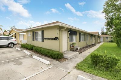 914 N J ST, Lake Worth Beach, FL 33460 - Photo 2