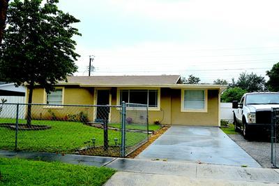 2130 WARE DR, West Palm Beach, FL 33409 - Photo 2