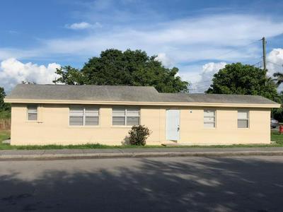 297 BOOKER PL, Pahokee, FL 33476 - Photo 1