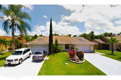 32 SE TAHO TER, Stuart, FL 34997 - Photo 1