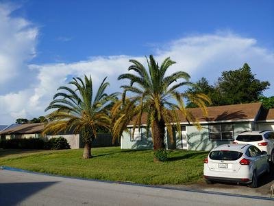 5521 SE GRAFTON AVE, Stuart, FL 34997 - Photo 1