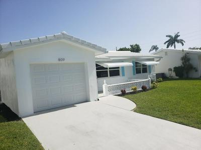 809 SW 3RD AVE, Boynton Beach, FL 33426 - Photo 2