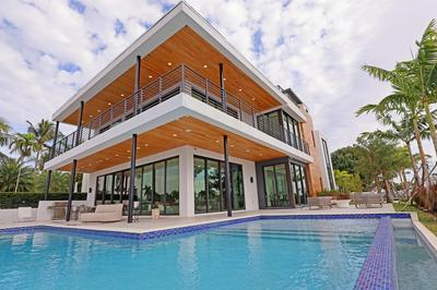 2305 N RIVERSIDE DR, Pompano Beach, FL 33062 - Photo 1