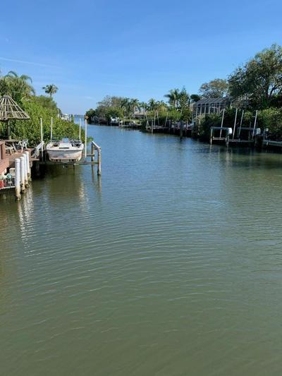 417 12TH ST SE, Vero Beach, FL 32962 - Photo 1