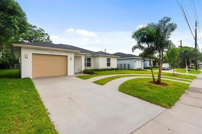 4711 LAKE AVE, West Palm Beach, FL 33405 - Photo 2