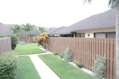 302 SPRINGDALE CIR, Palm Springs, FL 33461 - Photo 1