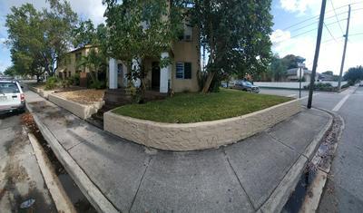 136 S B ST, Lake Worth Beach, FL 33460 - Photo 2