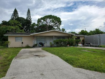 709 SKYLARK DR, Fort Pierce, FL 34982 - Photo 1