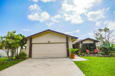 23 FAWLKLAND CIR, Boynton Beach, FL 33426 - Photo 2