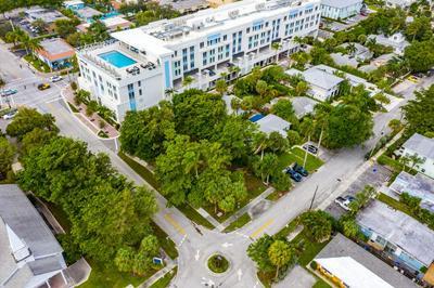 146 SE 7TH AVE, Delray Beach, FL 33483 - Photo 2