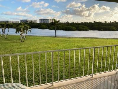 2185 IBIS ISLE RD APT 8, Palm Beach, FL 33480 - Photo 2