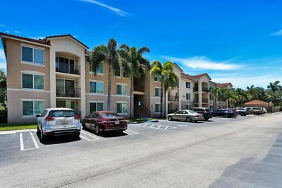 221 VILLA CIR # 221, Boynton Beach, FL 33435 - Photo 1