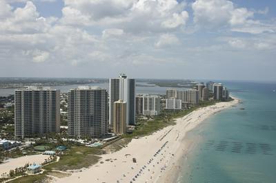 3600 N OCEAN DR APT 421, Riviera Beach, FL 33404 - Photo 2