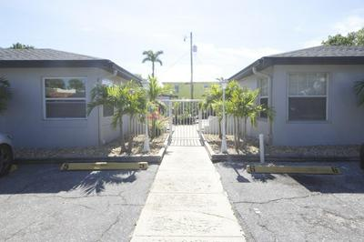 220 WALTON BLVD APT 4, West Palm Beach, FL 33405 - Photo 1