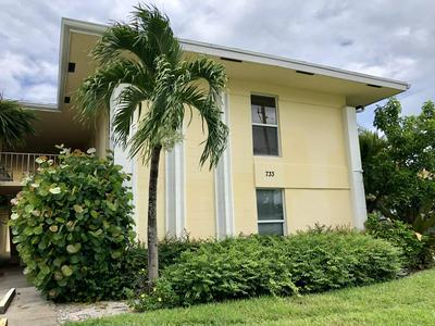 733 HUMMINGBIRD WAY APT 10, North Palm Beach, FL 33408 - Photo 1