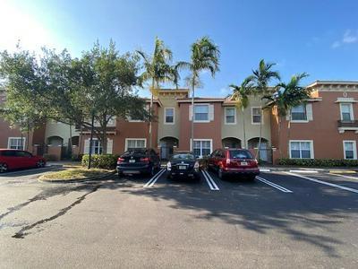 180 LAKE MONTEREY CIR, Boynton Beach, FL 33426 - Photo 2