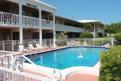 2141 NE 68TH ST APT 103, Fort Lauderdale, FL 33308 - Photo 1